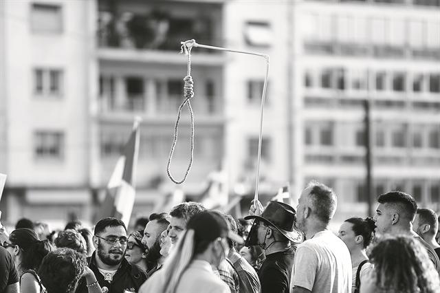 «Δημοκρατίες των ειδικών» και «αποδόμηση της αυθεντίας» | tovima.gr