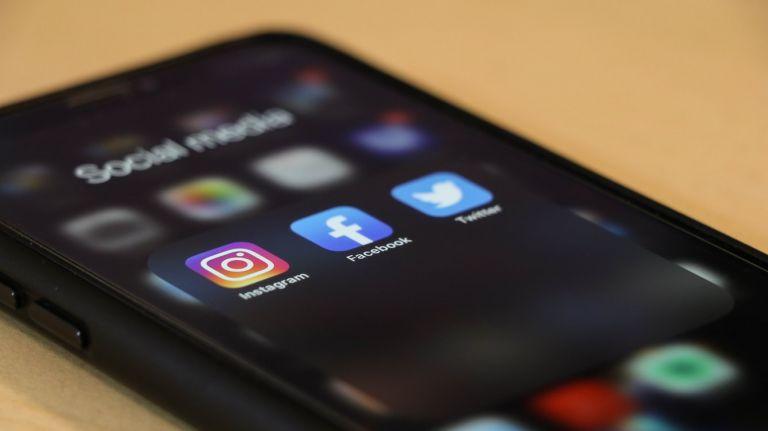 Προβλήματα σε Facebook και Instagram – Τι απαντά η εταιρία | tovima.gr