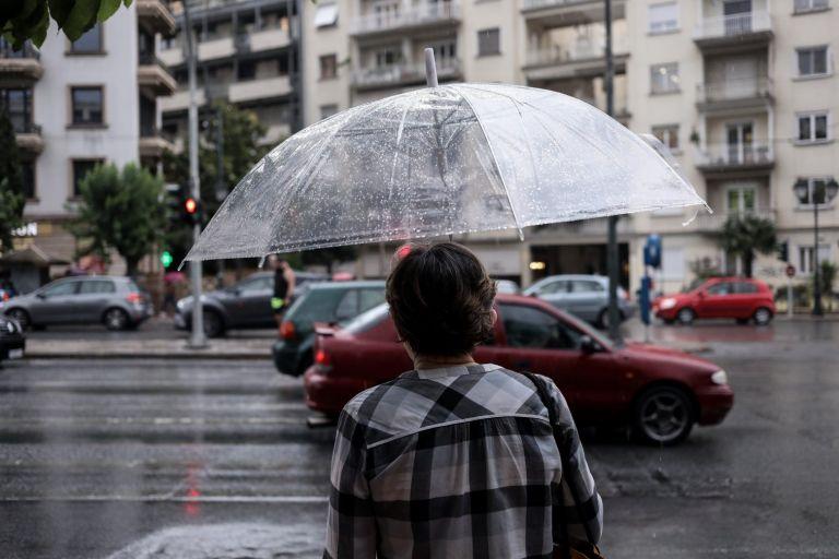 Κακοκαιρίας συνέχεια και τη Δευτέρα  – Πού θα έχει καταιγίδες και χαλαζοπτώσεις   tovima.gr