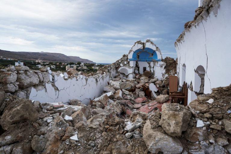 Κρήτη – Νύχτα αγωνίας για τους κατοίκους και φόβοι για ισχυρούς μετασεισμούς – Σοκαριστικά βίντεο | tovima.gr