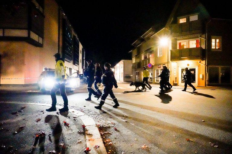 Νορβηγία – Τουλάχιστον πέντε νεκροί από την επίθεση τοξοβόλου – Δεν αποκλείεται τρομοκρατική επίθεση   tovima.gr