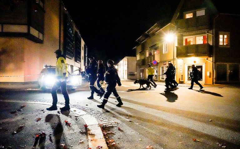 Εκτελέσεις με τόξο και βέλη στη Νορβηγία – 5 νεκροί – Ποιος είναι ο δράστης | tovima.gr