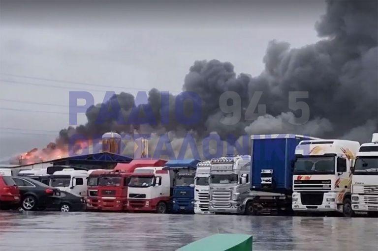 Διαβατά – Μεγάλη φωτιά σε αποθήκη τροφίμων | tovima.gr