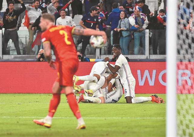 Η Γαλλία που αντεπιτίθεται,η Ισπανία που επιμένει | tovima.gr