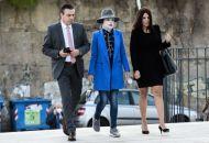 Επίθεση με βιτριόλι – Η ώρα του εισαγγελέα για την Εφη – Εφτασε στο δικαστήριο η Ιωάννα